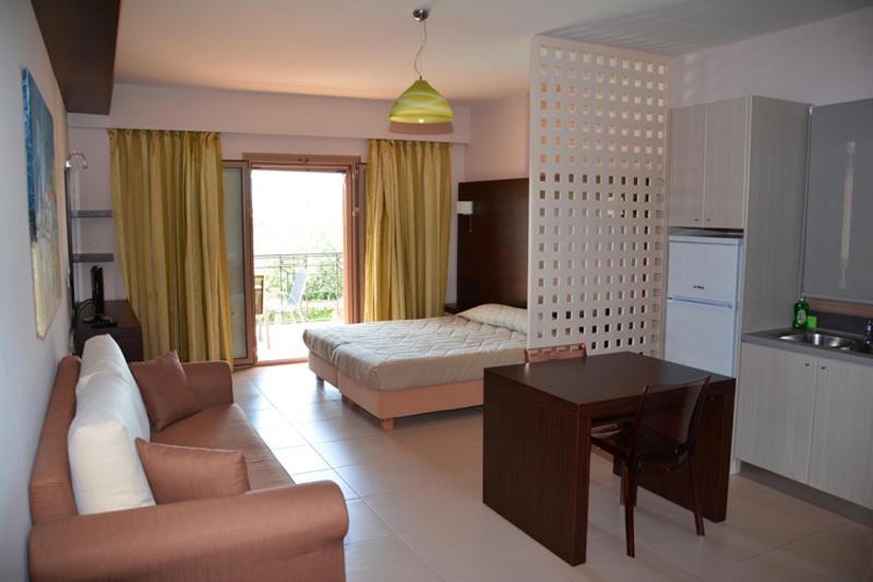 Room Tsokas