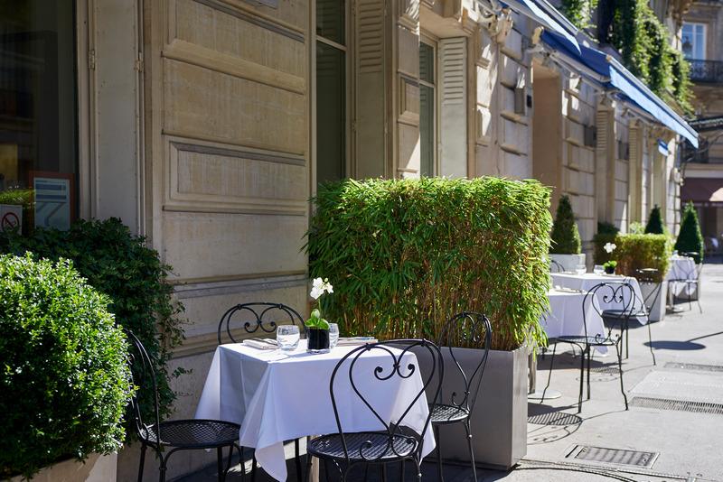 Terrace La Tremoille