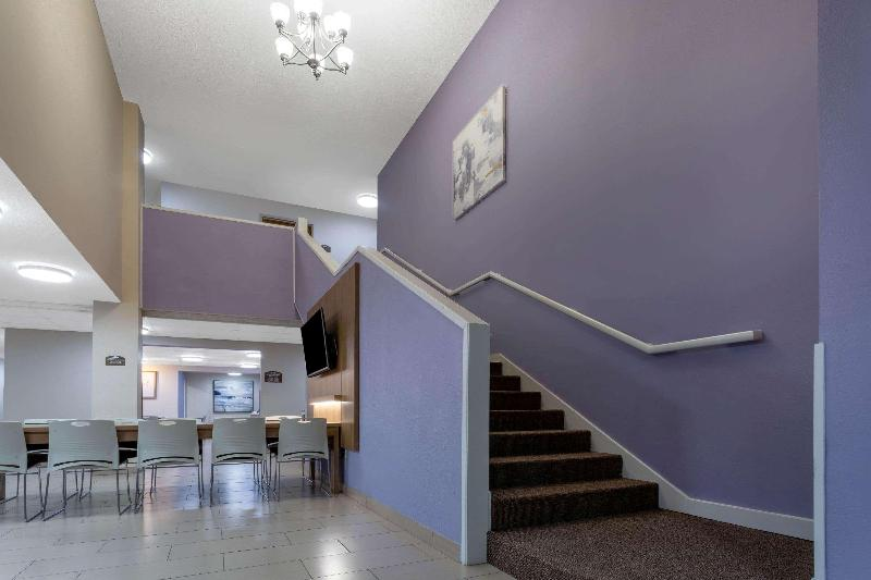 Lobby Microtel Inn & Suites By Wyndham Southern Pines