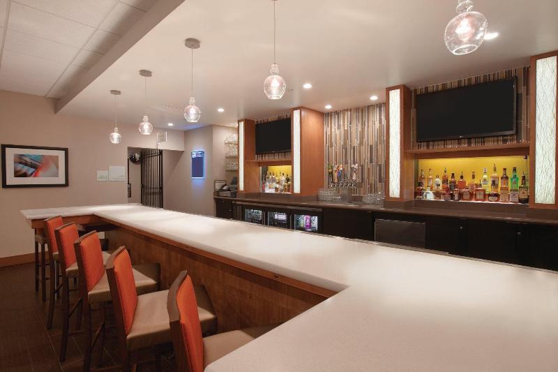 Restaurant Holiday Inn Portland - Airport