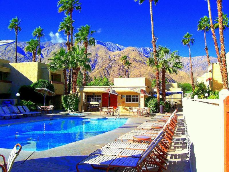 General view Desert Vacation Villas