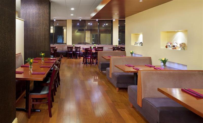 Sheraton Philadelphia University City - Restaurant - 4
