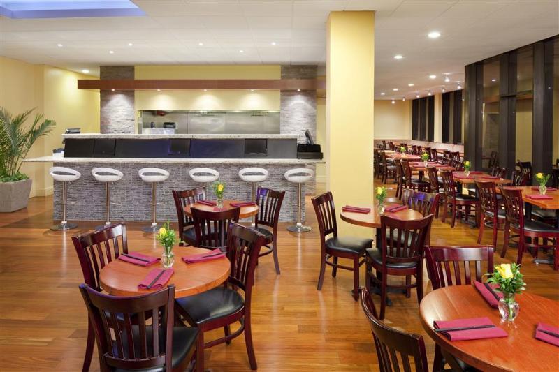 Sheraton Philadelphia University City - Restaurant - 17