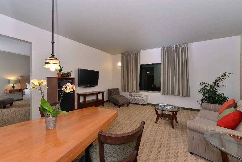 Room Gaia Hotel & Spa Redding, An Ascend Hotel