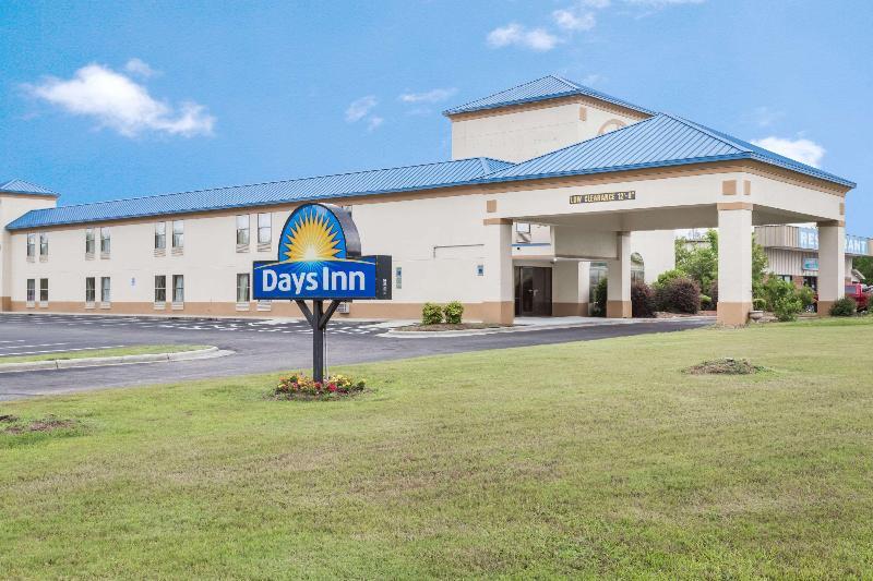 General view Days Inn By Wyndham Selma