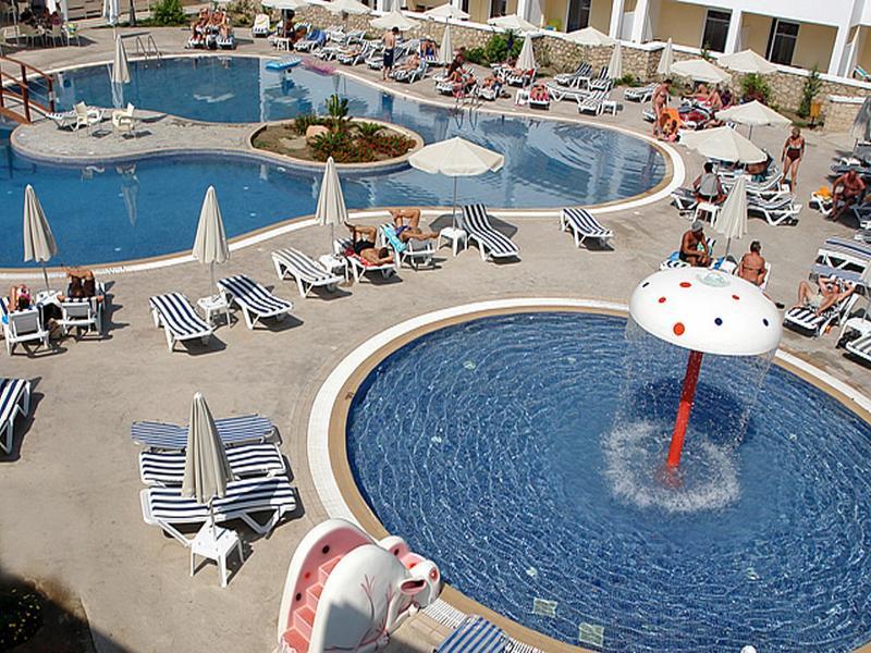 Viang Tak Hotel - Pool - 9