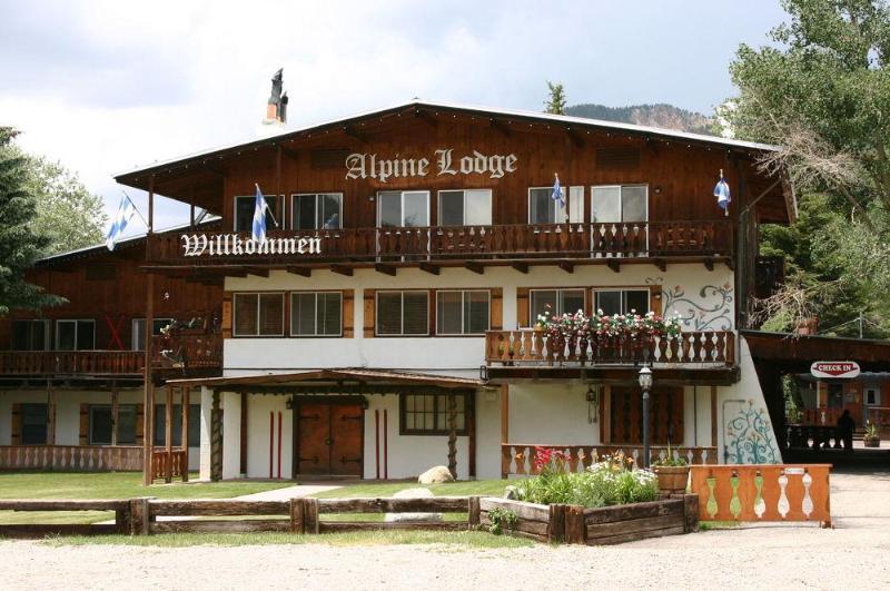 General view Alpine Lodge