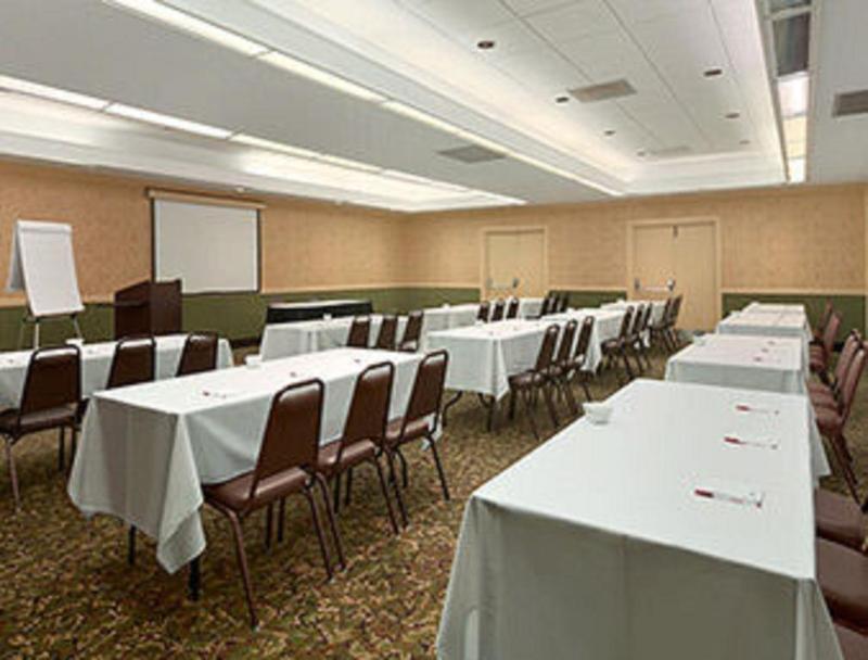 General view Ramada Conference Center By Wyndham Burlington