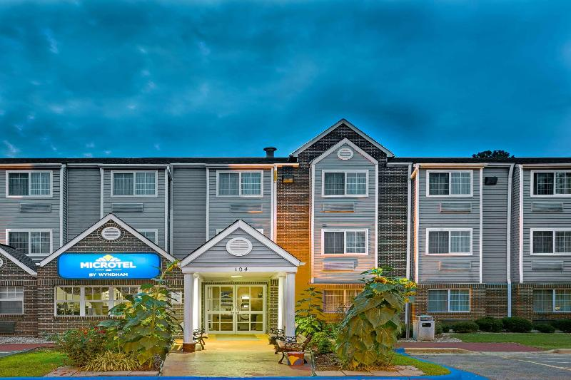 General view Microtel Inn & Suites By Wyndham Raleigh Durham A