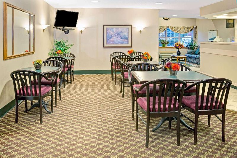 Lobby Microtel Inn & Suites By Wyndham Raleigh Durham A