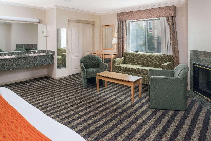 Room Howard Johnson By Wyndham San Francisco Marina Dtt