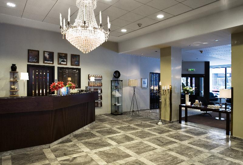 Lobby First Hotel Strand