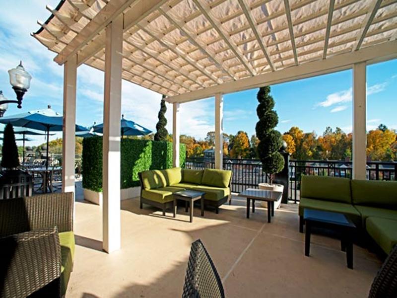 Courtyard Saratoga Springs - Terrace - 15
