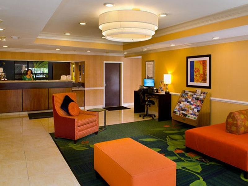 Lobby Fairfield Inn St. Louis Fenton