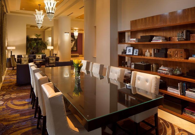 Lobby Hotel De Anza