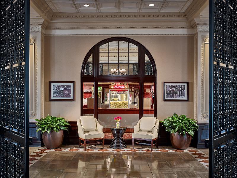 Lobby Chase Park Plaza Royal Sonesta