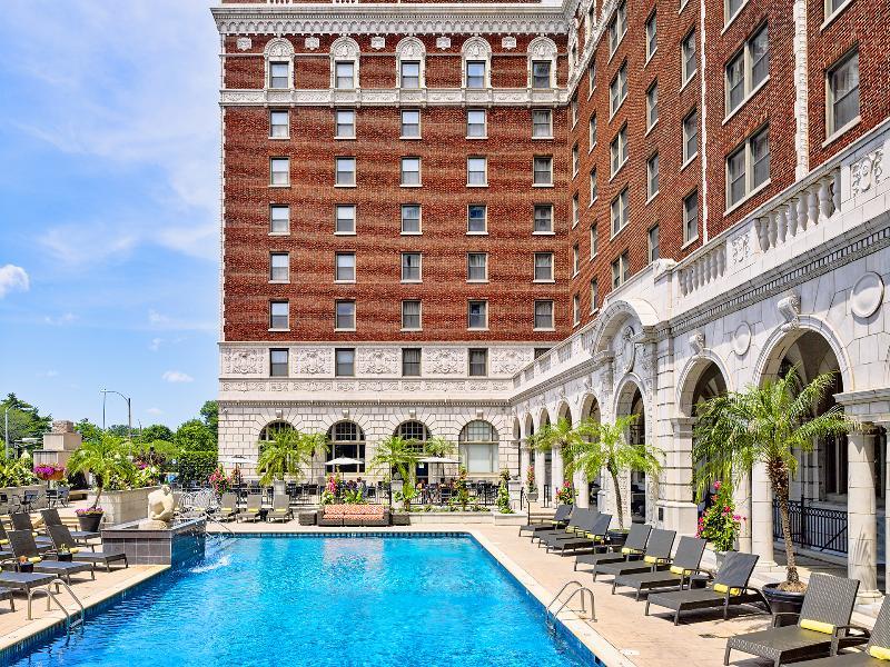 Pool Chase Park Plaza Royal Sonesta