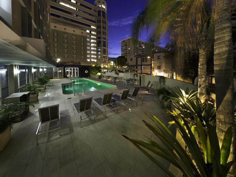 Pool Courtyard San Juan Miramar