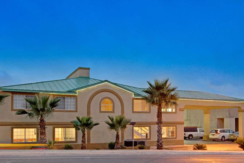 General view Days Inn By Wyndham San Antonio Airport