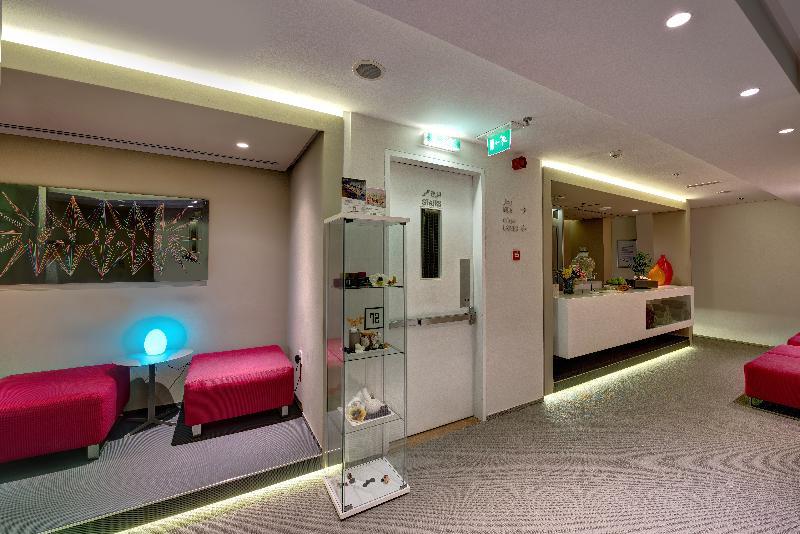 72 By Hues Hotel Sharjah - Sport - 18