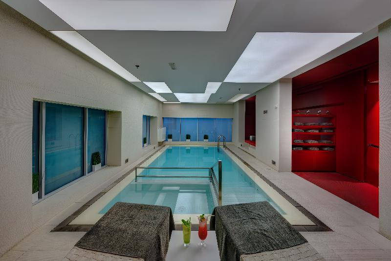 72 By Hues Hotel Sharjah - Pool - 2