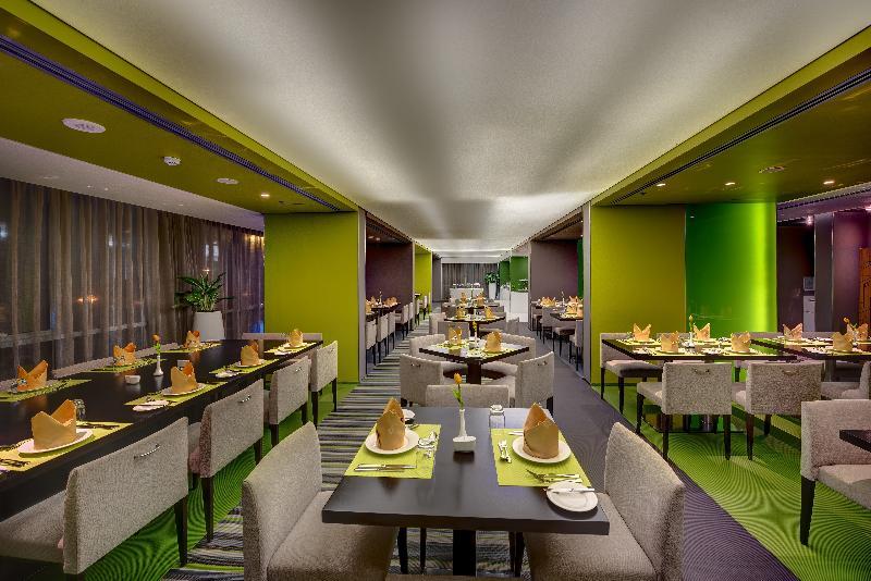 72 By Hues Hotel Sharjah - Restaurant - 17