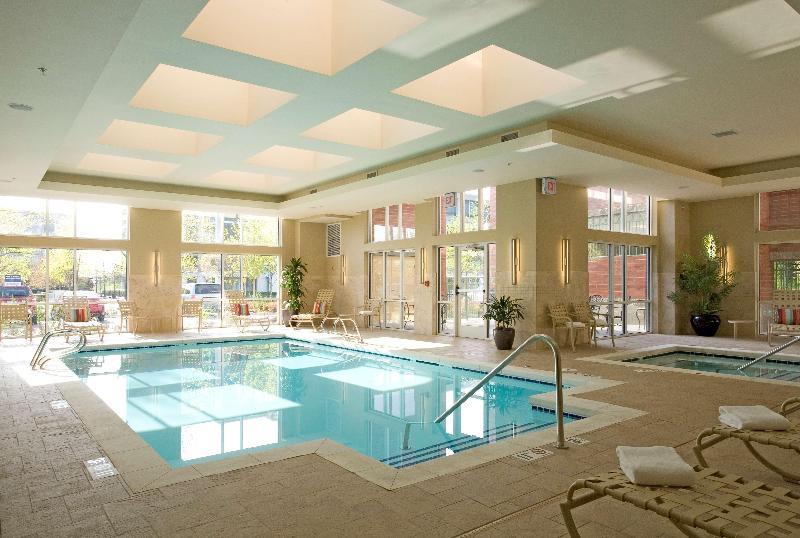 Pool Hyatt House Seattle/bellevue