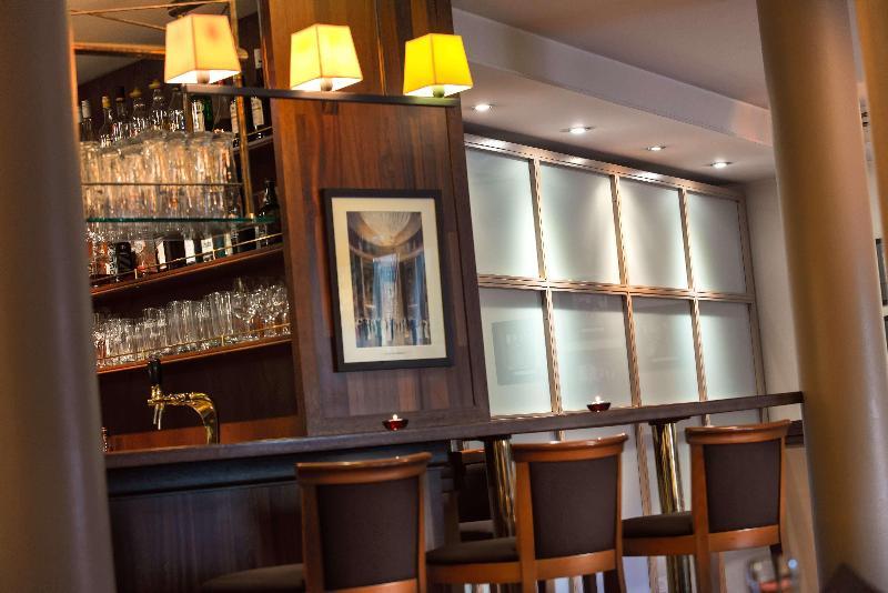 EHM Hotel Sindelfingen City - Restaurant - 13