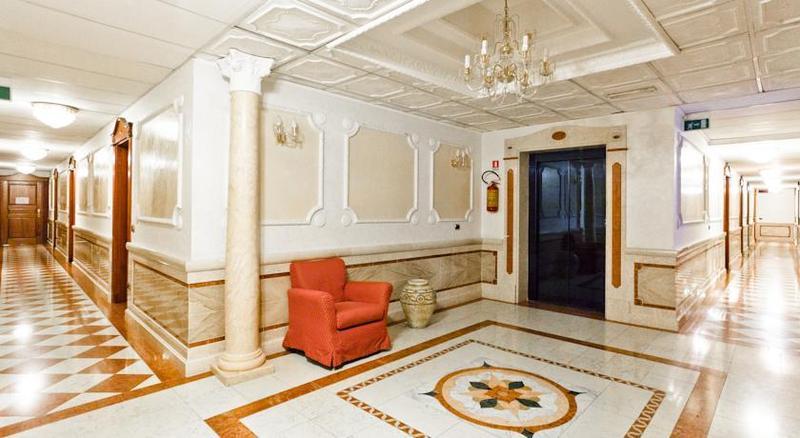 Lobby Mariano Iv Palace