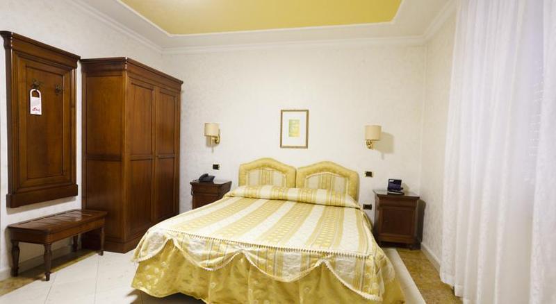 Room Mariano Iv Palace
