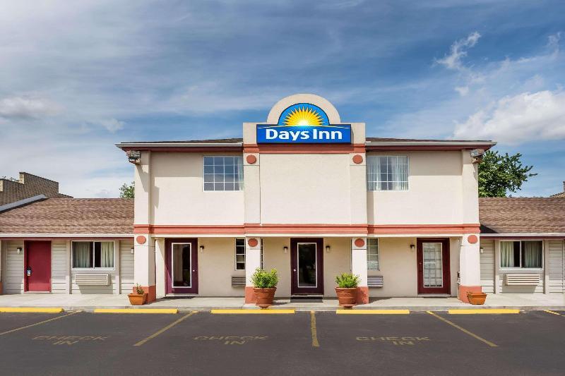 General view Days Inn By Wyndham Plymouth