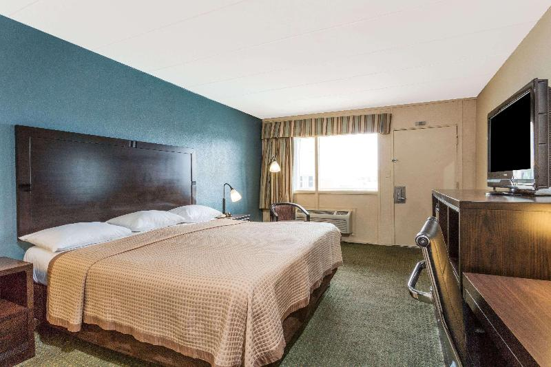 Room Travelodge By Wyndham Virginia Beach