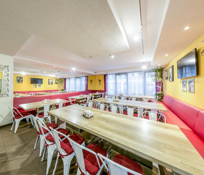 Restaurant A&t Holiday Hostel Wien