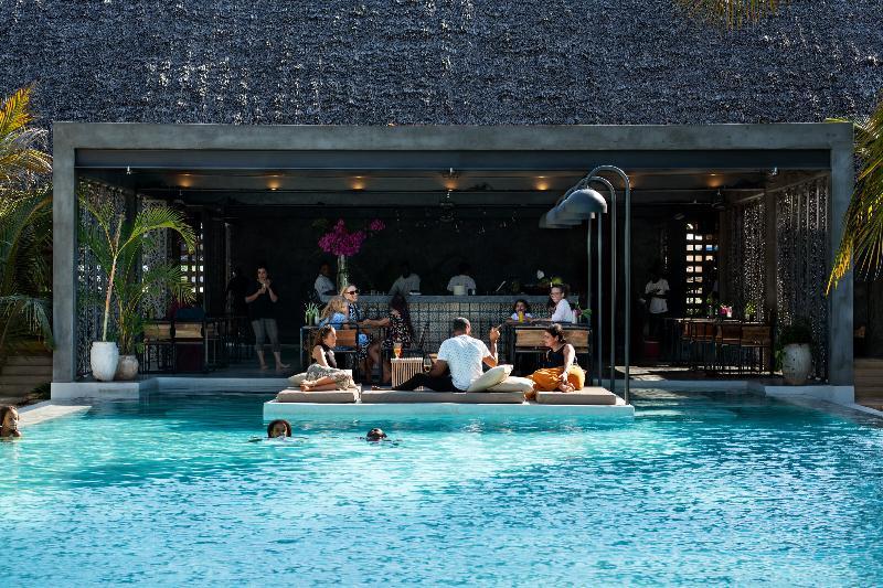Pool Casa Del Mar