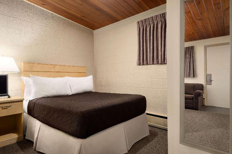 Room Thriftlodge Moose Jaw