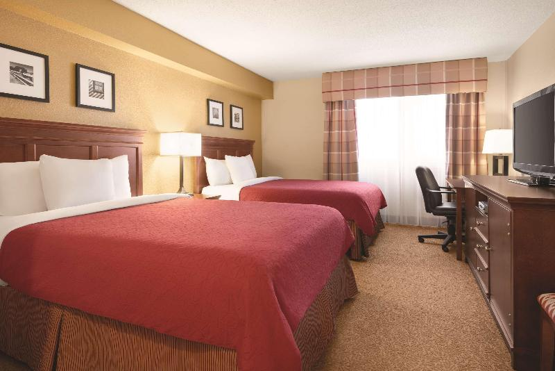 Room Country Inn & Suites By Radisson, Saskatoon, Sk