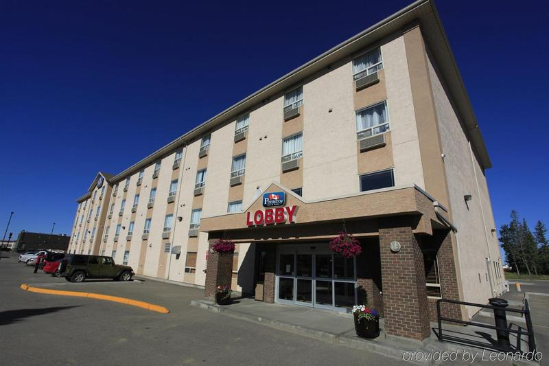 General view Pomeroy Inn And Suites Fort St John