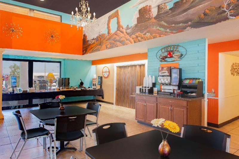 Restaurant Howard Johnson By Wyndham Yuma