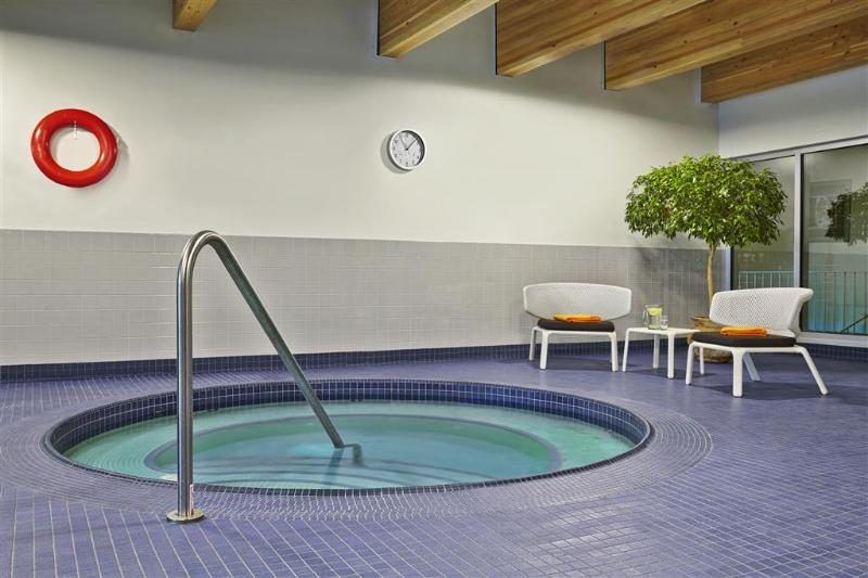 Sheraton Red Deer - Pool - 2