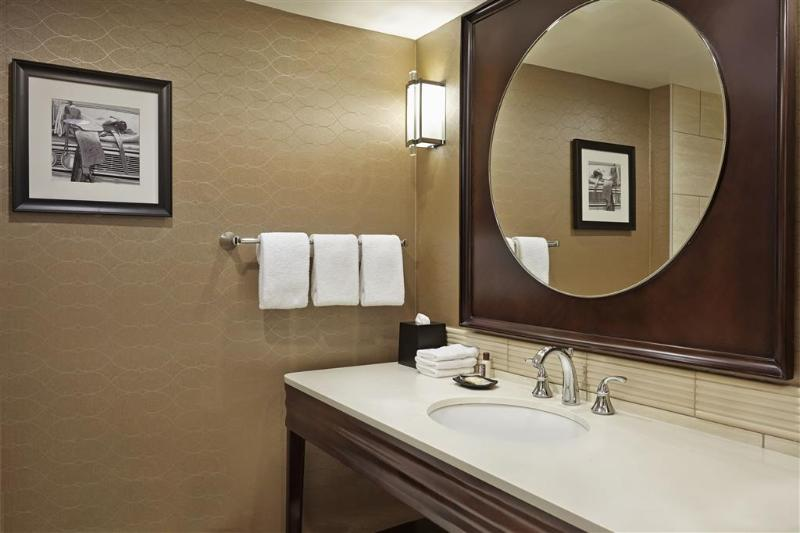 Sheraton Red Deer - Room - 12