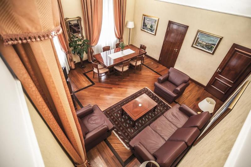 Palace Hotel Zagreb - Hotel - 2