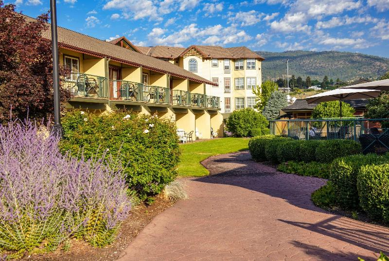General view Ramada By Wyndham Penticton Hotel & Suites