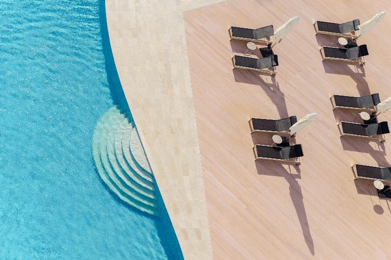 Pool Aparthotel Adagio Fujairah
