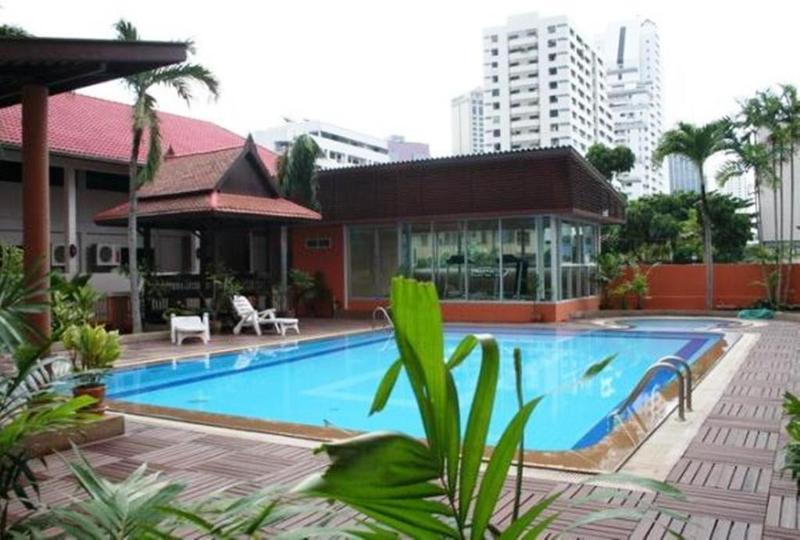General view Teja Lakeview Apartments