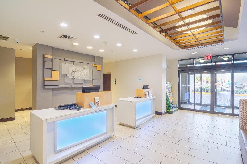Lobby Holiday Inn Express & Suites - Busch Gardens Usf