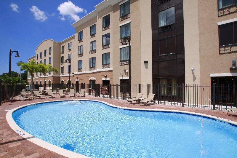 Pool Holiday Inn Express & Suites - Busch Gardens Usf