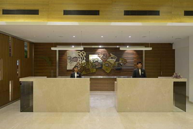 Lobby Ganesh Meridian Hotel Ahmedabad