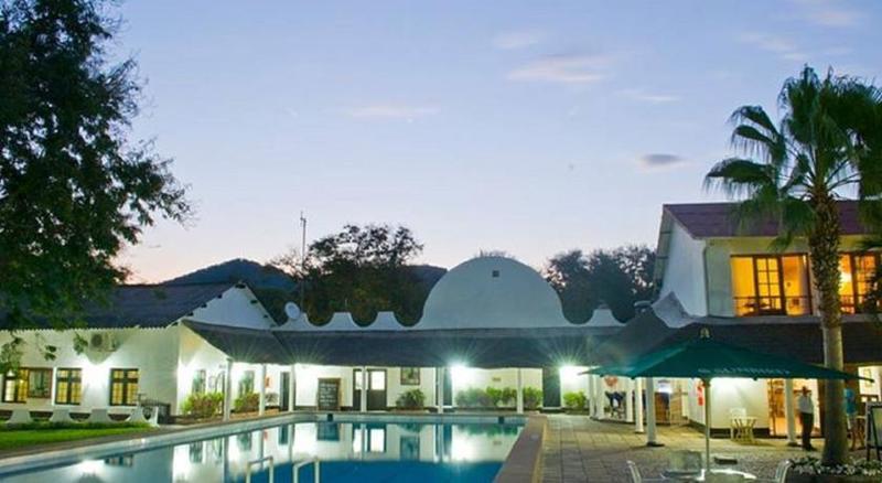 Pool Sunbird Nkopola Lodge