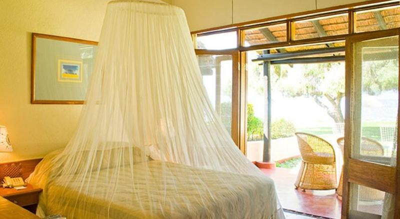 Room Sunbird Nkopola Lodge