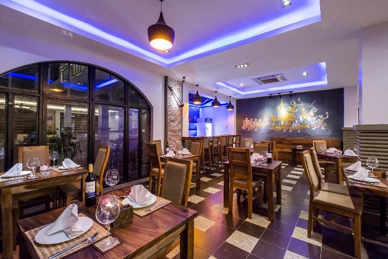 Queen Grand Boutique Hotel - Restaurant - 5